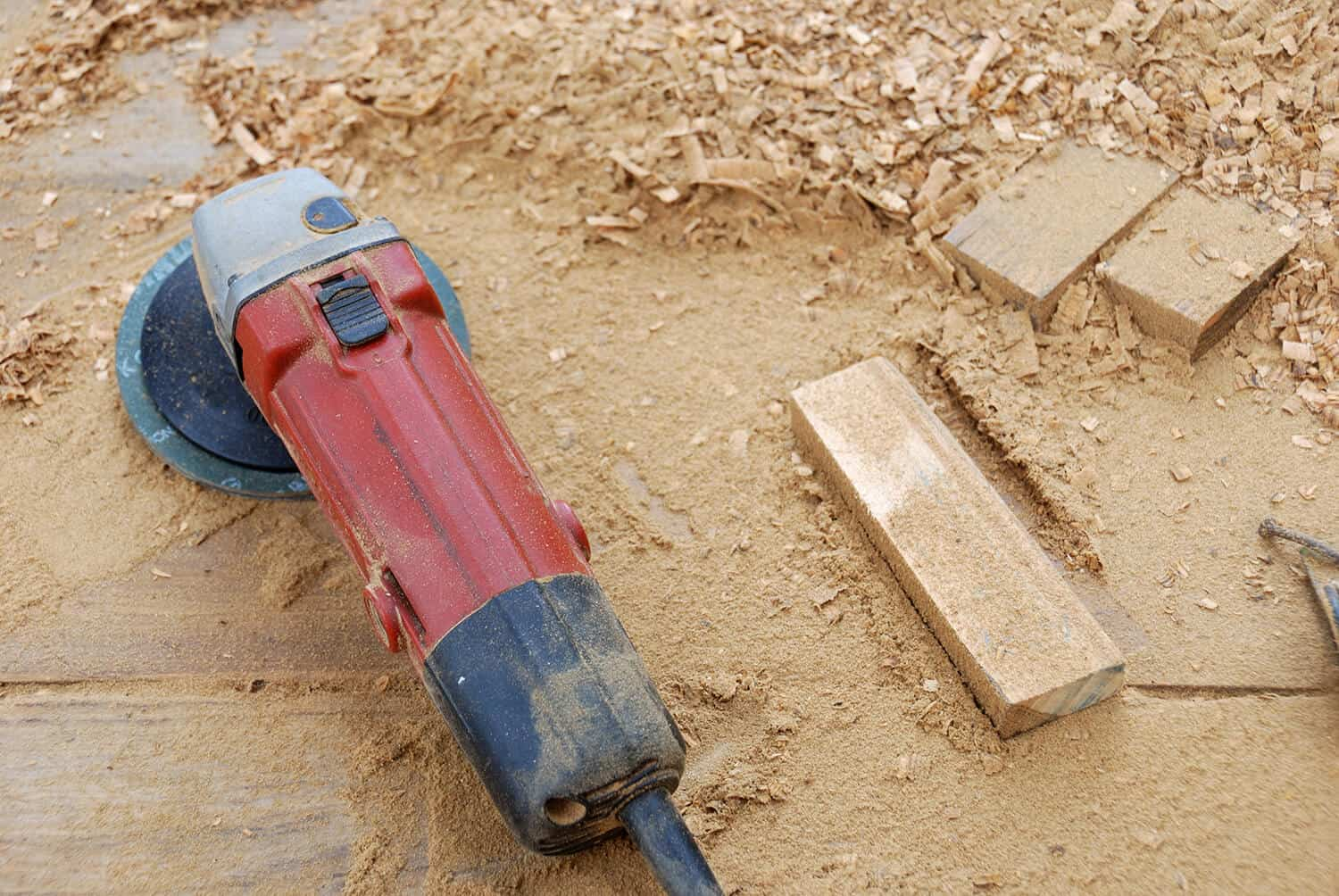 Angle grinders can cut wood